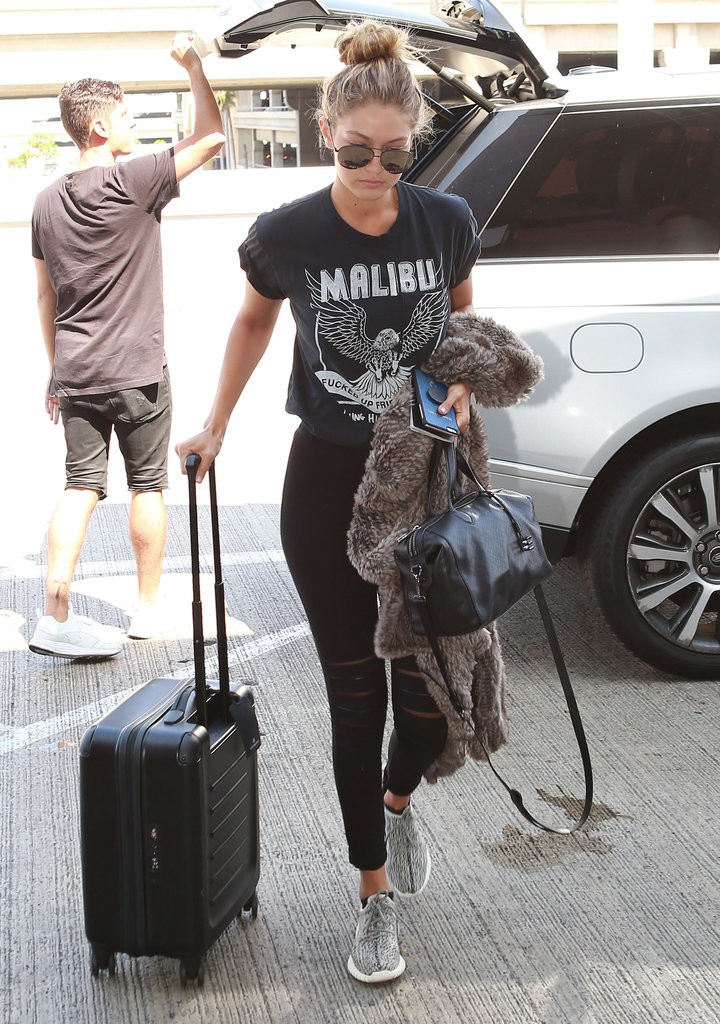 Gigi-Hadid-Kendall-Jenner-Wearing-Yeezy-Boost-Sneakers