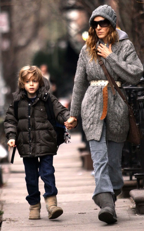 January 19 2010: Sarah Jessica Parker is photographed taking her son, James Wilkie, to school this morning in New York City. Credit:INFphoto.com Ref.: infusny-155/131