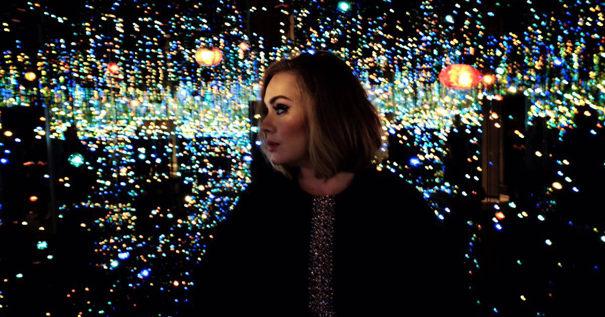 Adele-Infinity-Mirrored-Room-1-FT-1200x630