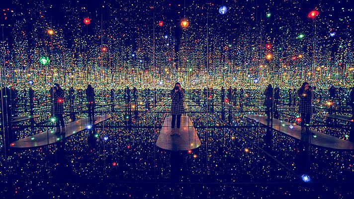 yayoi-kusama-infinity-mirrored-room